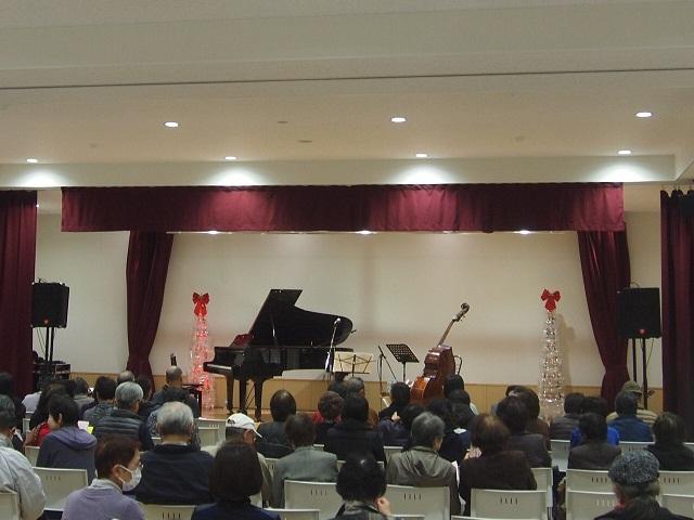 小須戸まちづくりセンター2周年企画で、クリスマスジャズライブ開催!