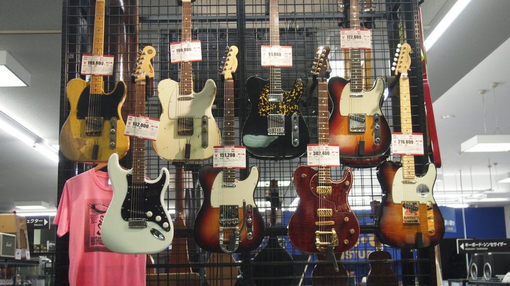 高級ギターのラック