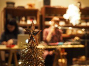 普段はカフェ&ゲストハウス「山ノ家」、クリスマスはコンサート会場!