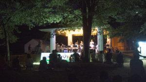 【十日町】涼しい川風に吹かれながらゆったり音楽を楽しむ「川っぺり音楽祭」